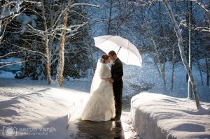 Pittsburgh-Winter-Wedding-aaronvargaphotography